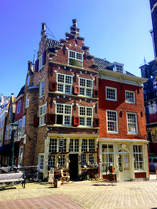Day Trip from Amsterdam: Delft & The Hague